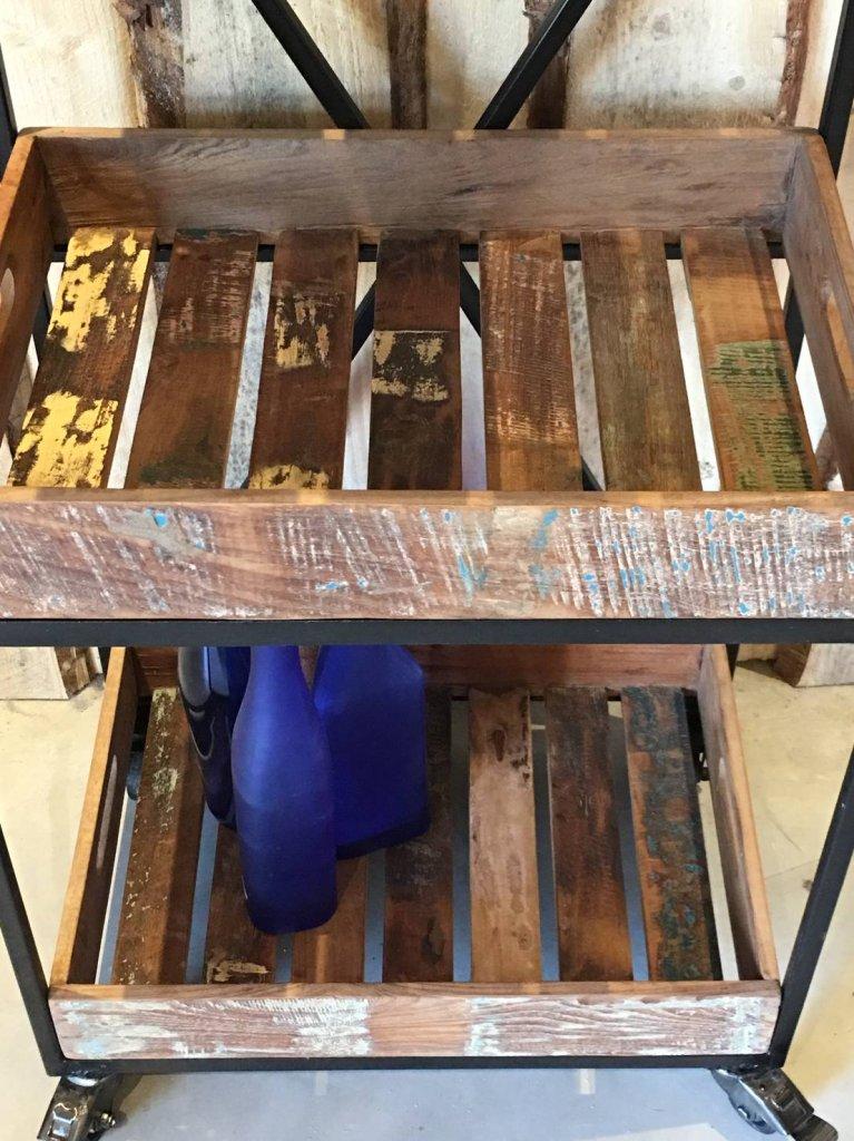 Praktiskt avlastningsbord med hjul Avlastningsbord Bord Myhomemyway se
