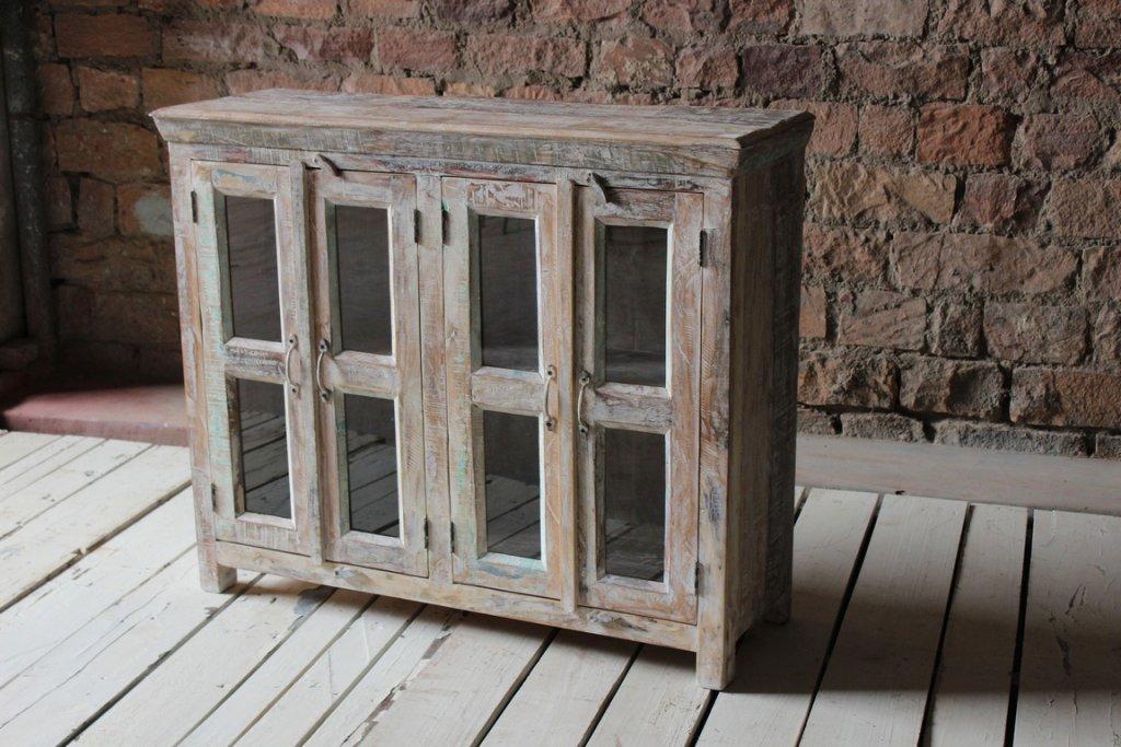 Skåp Med Glasdörrar Av Vittåtervunnet Trä Förvaring Myhomemyway Se
