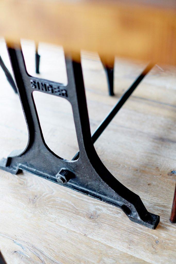 Fantastiskt matbord med raka ben Bord Myhomemyway.se